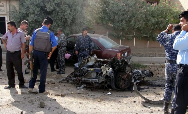 Car bombs and roadside blasts in Iraq: 25 dead