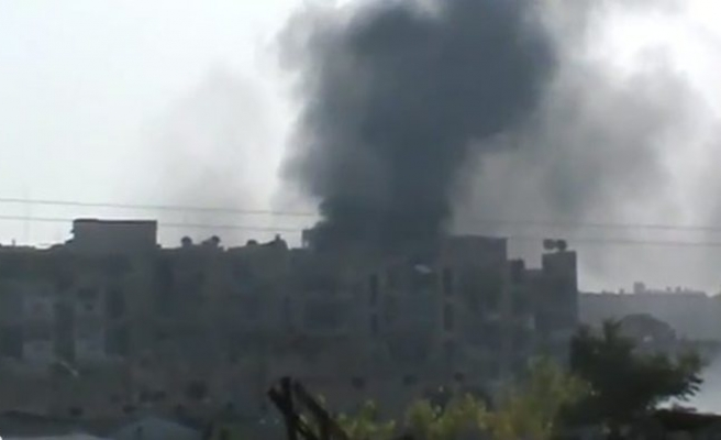 Syrian forces pound rebel frontline in Aleppo