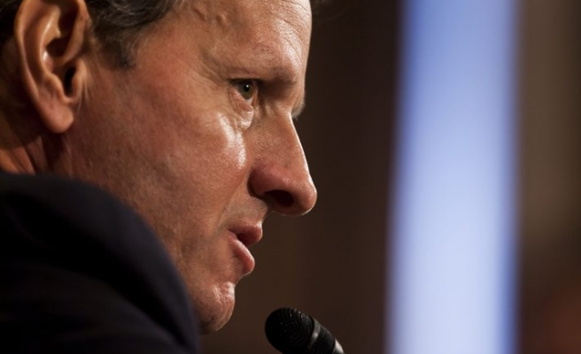 Geithner says Europe must act more forcefully to stem crisis