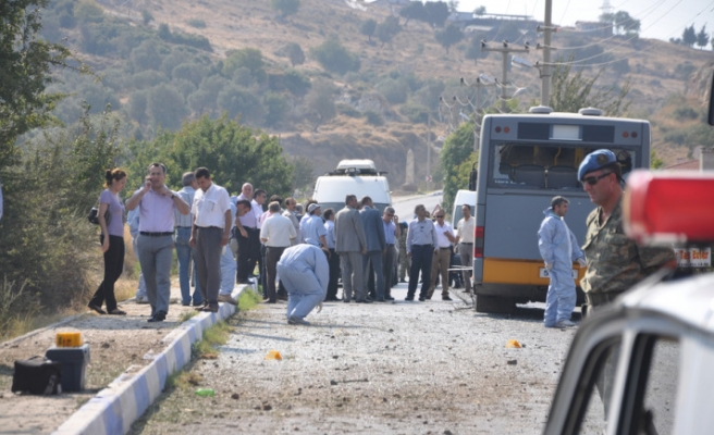 Blast kills one soldier in western Turkey