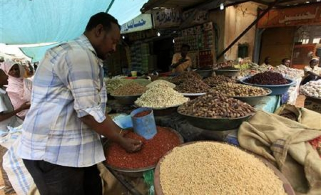 Potential for food crisis growing as prices surge: U.N.