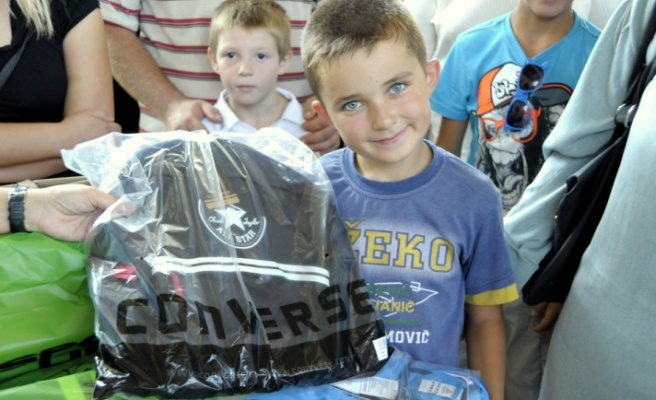 Turkey distributes gifts to Bosnian orphans for Eid al-Fitr