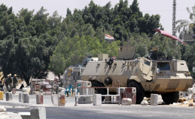 Israel asks Egypt to withdraw tanks in Sinai: report