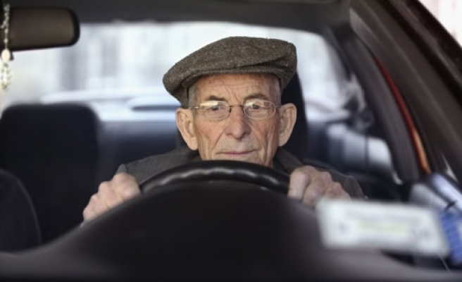 Elderly drivers no more dangerous than 20-somethings: study