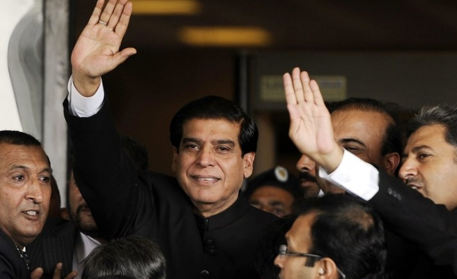 Pakistan Supreme Court gives PM more time in graft case