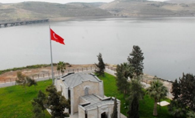 Turkey to keep working to preserve Tomb of Suleyman Shah in Syria