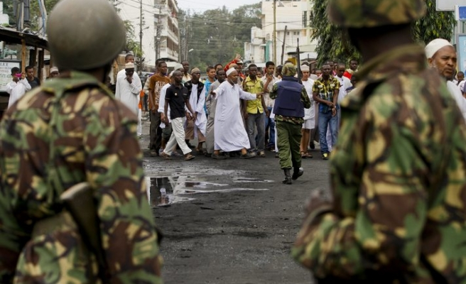 Kenyan Muslims clash with police