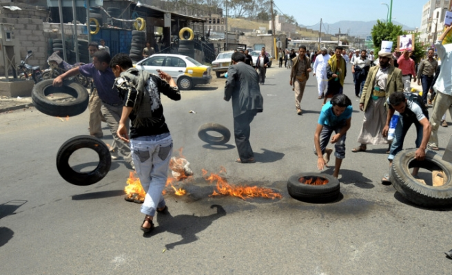 Two Yemeni soldiers, 40 people killed in clashes- UPDATED