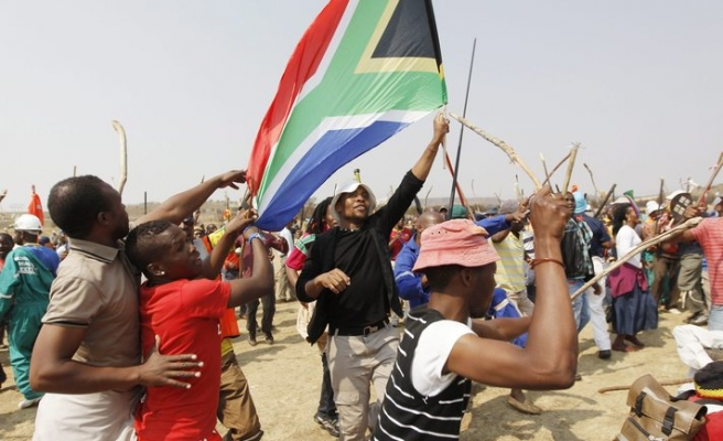 Hundreds of South Africans protest outside Johannesburg court