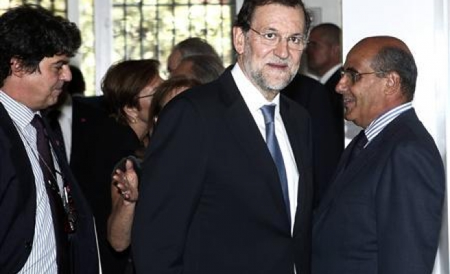 Spain's opposition Socialists tell Rajoy to resign