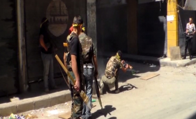 Kurds fighting with Islamists in Syria- report
