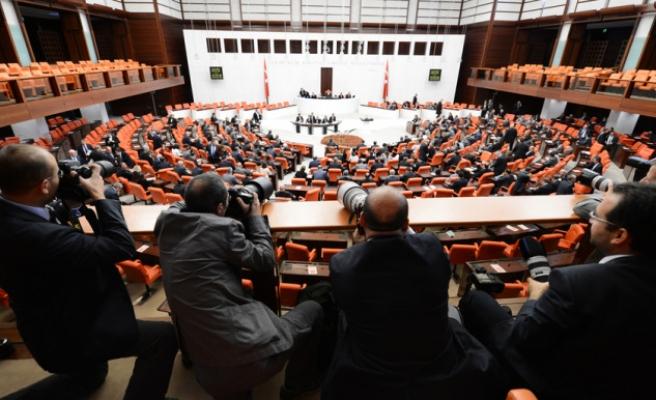Turkish parliament approves Syria operation motion
