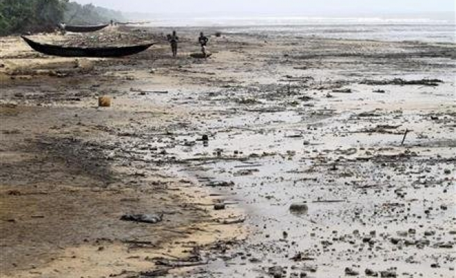 Shell offers $51 million to settle Nigeria oil spills