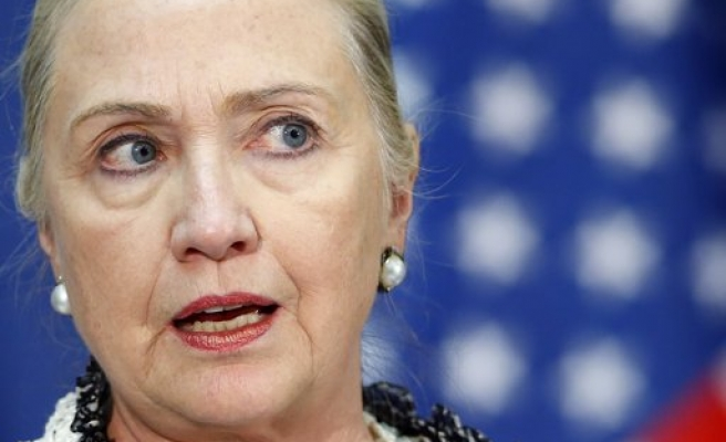Hillary Clinton criticizes Obama on Syria policy