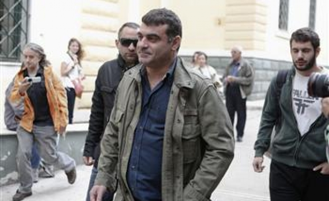 Greek reporter acquitted over publishing rich list