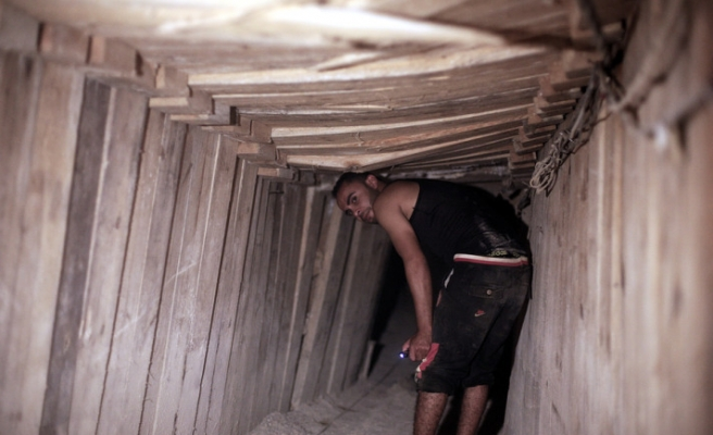 Tunnels between Egypt and Gaza closed