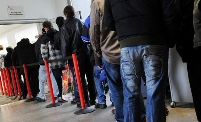A quarter of young French people are jobless