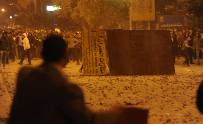 Egyptian protesters clash with police after days of calm