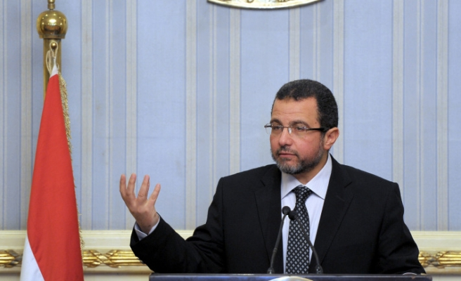Premier to stay in Egypt reshuffle