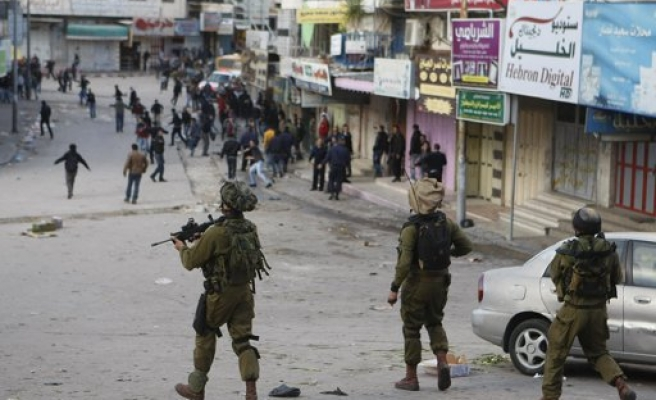 Israeli army detains 7 Palestinians in West Bank