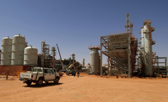 Algeria beefs up security around foreign oil firms