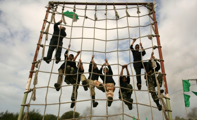High school students get military training in Gaza