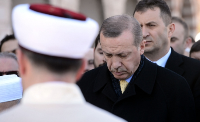 Turkish PM attends funeral of his uncle in Istanbul