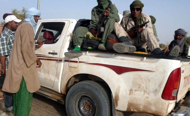 Withdrawal by fighters photographed in Mali