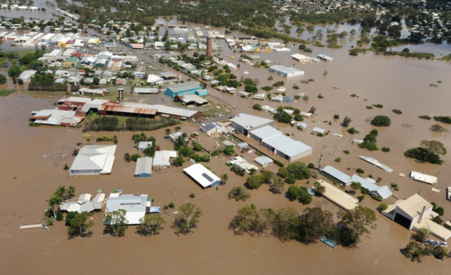 Thousands of Australians evacuated due to floods