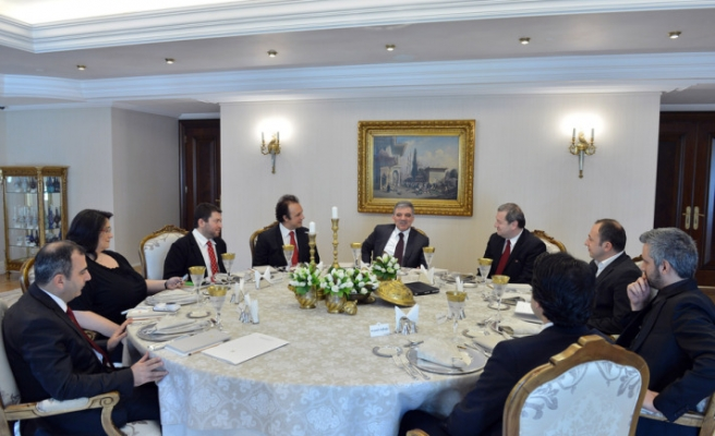President Gül holds luncheon for social media representatives