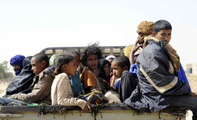Malian army clashes with Tuaregs for second day