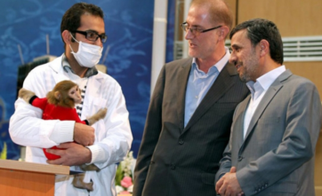 Ahmadinejad wants to be first Iranian in space