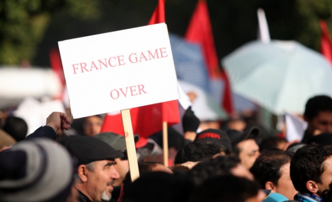 French flag burned in Tunisia protests