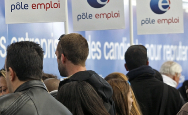 35-hour work week becomes distant dream for many French