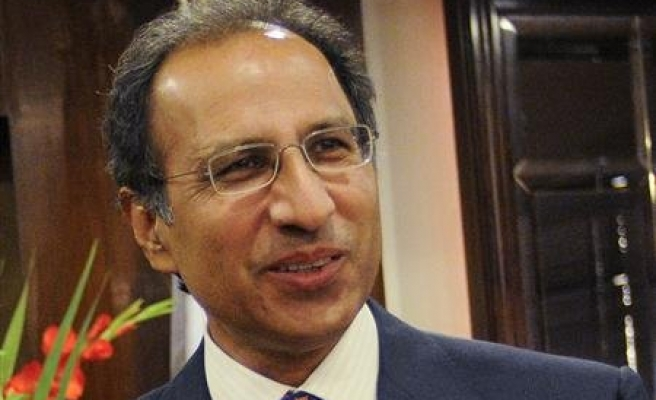 Pakistan finance minister resigns