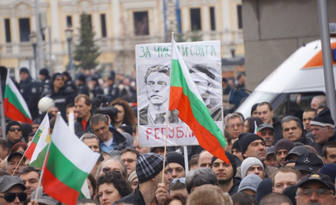 Bulgarian protests for cheaper energy intensify