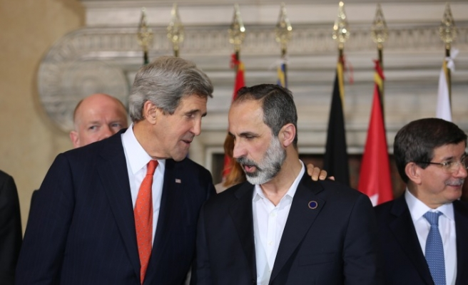 US says to aid Syrian rebels for first time