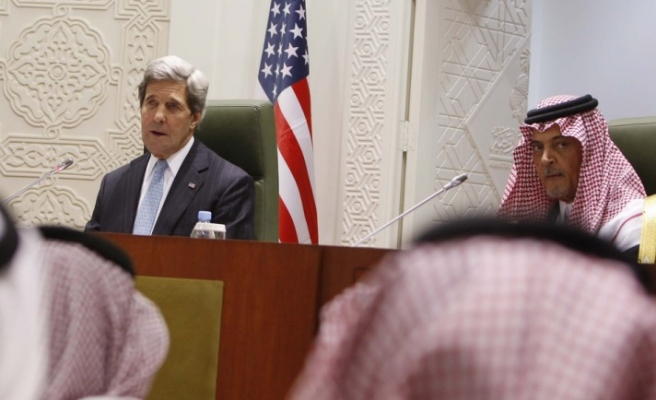 Moderate Syrian opponents should be armed, Kerry says