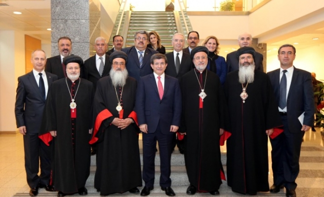 Peace messages in meeting of Syriac community