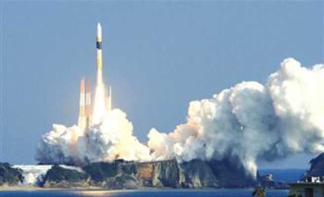 US army sends new satellite to watch missile launches