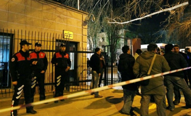 Same bombs in US Embassy attack hit Turkish ministry