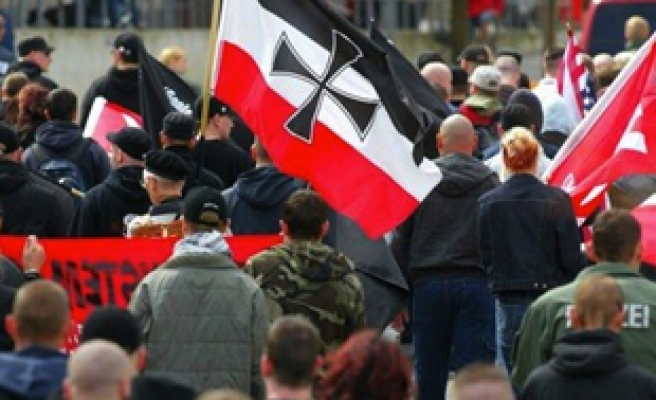 German immigrant party receives threat from far-right