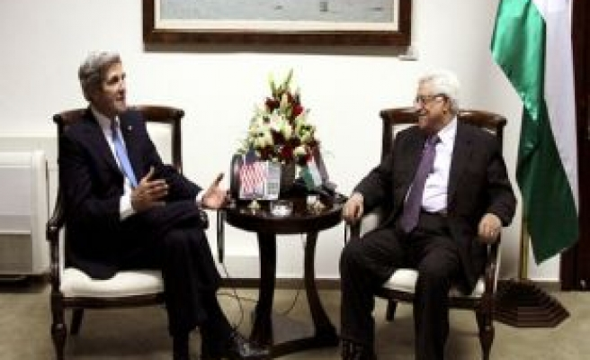 Kerry outlines economic plan for West Bank