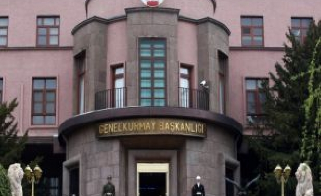 Turkish army to shorten mandatory military service