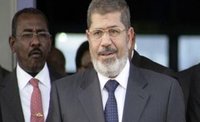 Egypt judges suspend reform talks with Mursi