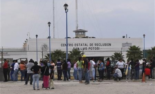 Thirteen people dead in Mexican prison riot