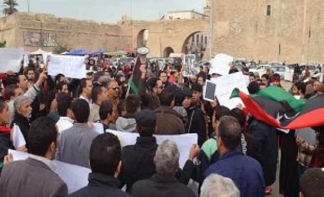 Armed protests in Libya threatening safety in capital