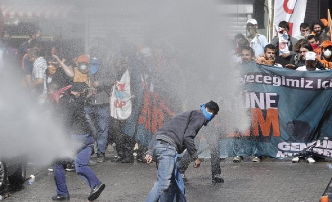 Deputy PM defends police for May 1 clashes, CHP blames gov't