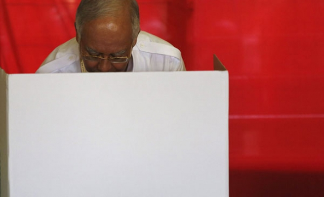 Polls close in Malaysian national elections