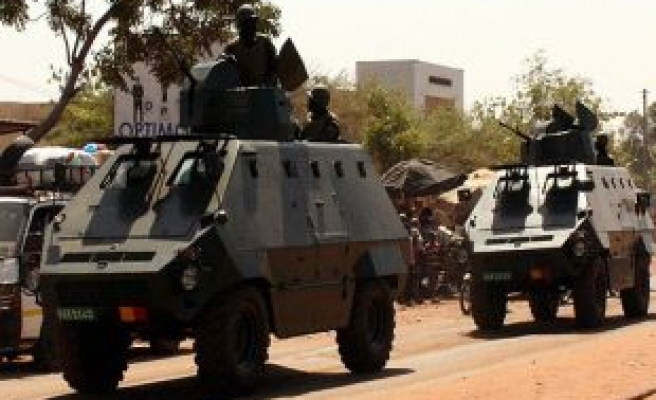Malian army heads for rebel-held town of Kidal